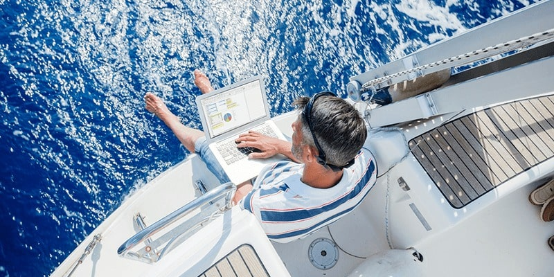 Sailing without internet